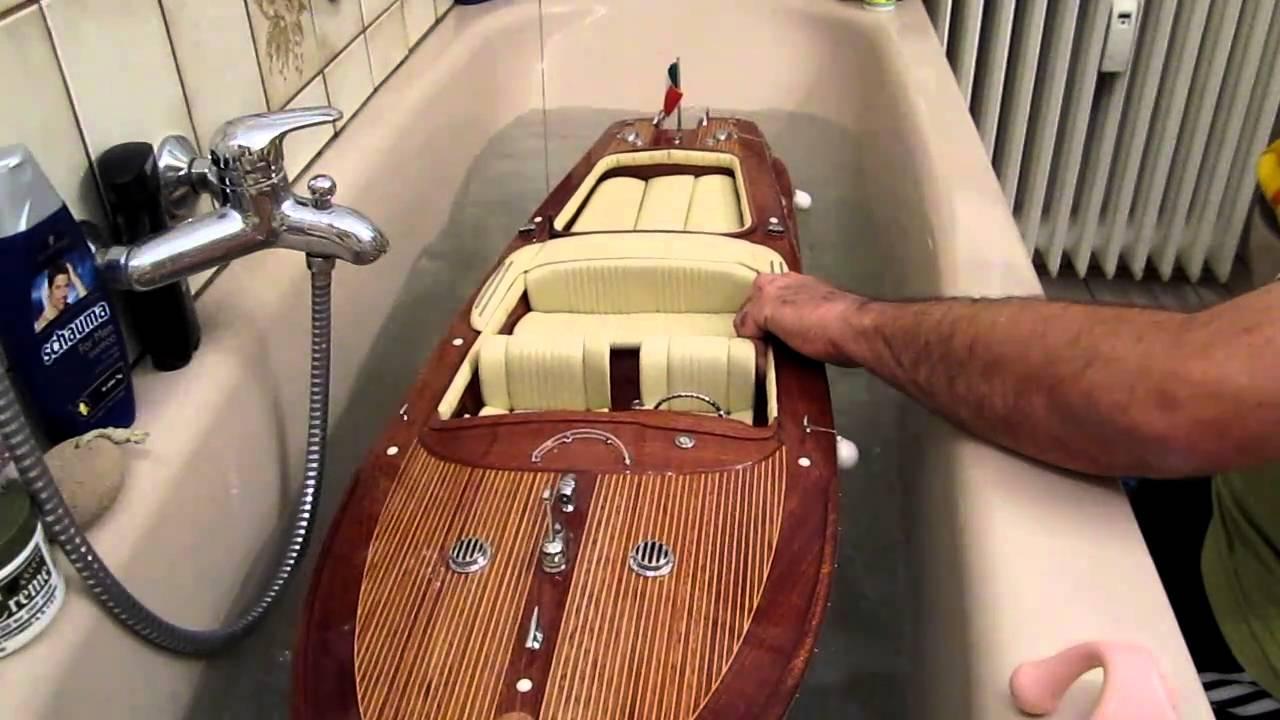 Riva RC Riva Super Aquarama 1:7,5 Test 1 - YouTube