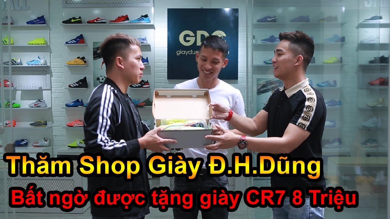 Đỗ Kim Phúc đi mua giày Ronaldo tại Shop bóng đá của Đỗ Hùng Dũng ĐT Việt Nam cùng Đỗ Duy Nam