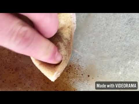 How to clean your oven glass with vinegar, baking soda and water