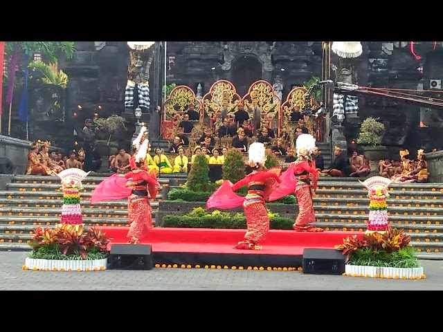Balerung Stage / Indonesia Satu / Tari Kebyar Gandrung
