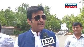 First Time Mps Tejasvi Surya And Ravi Kishan Arrives At Parliament With New Zeal