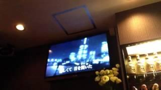 声も顔も藤井フミヤ似の保田さんに歌ってもらいました。