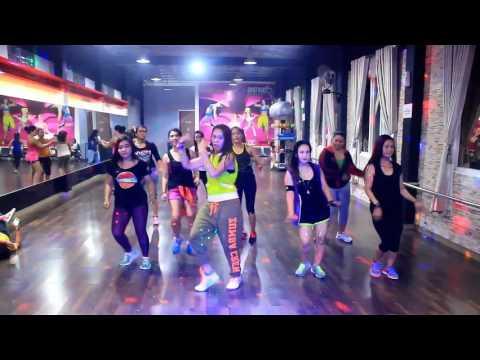 Pencuri Hati By Ayda Jebat -Zumba Dangdut /Choreo By Chenci At BFS Studio Kaltim Borneo