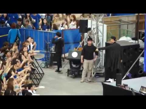 Leessang- The Girl Who Can't Break up, The Boy Who Can't Leave live @Yonsei Akaraka 2015