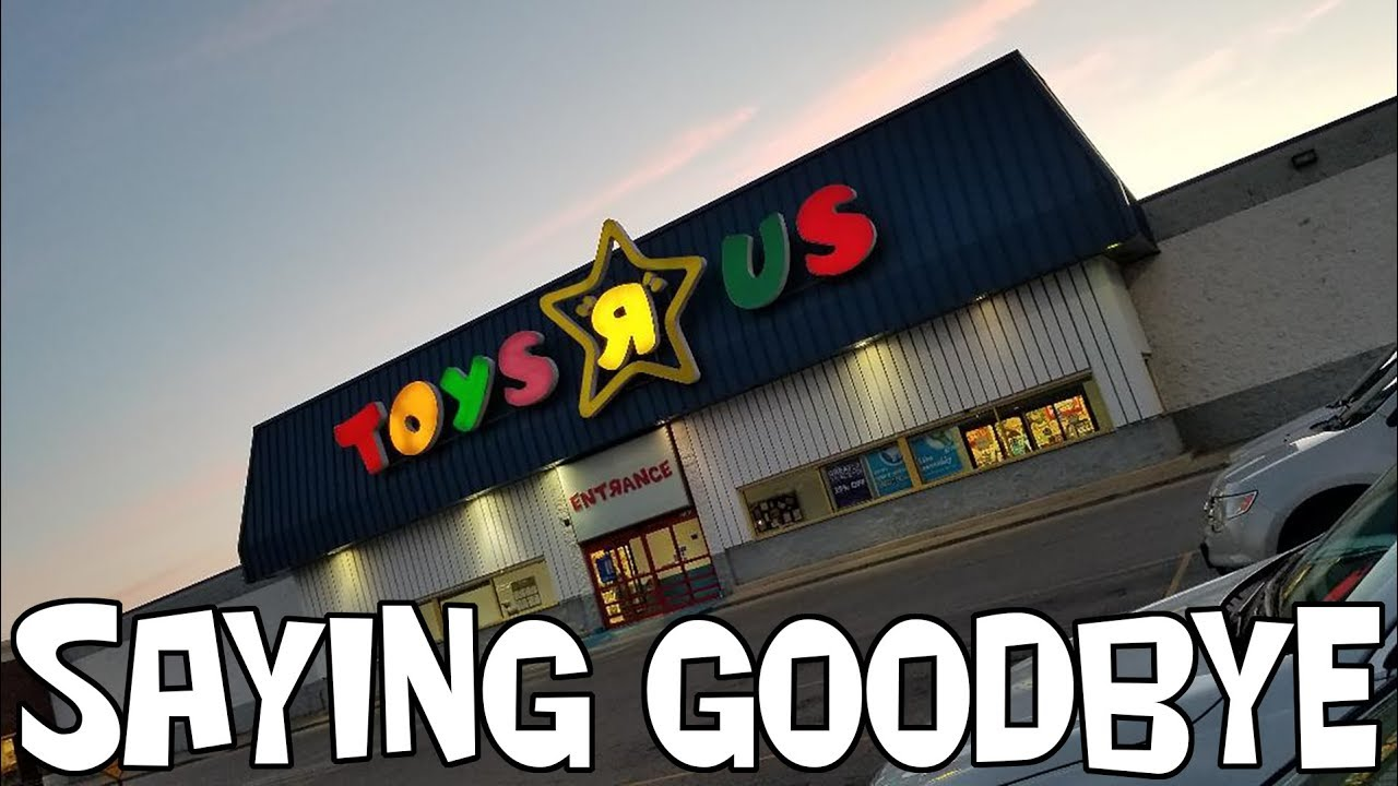 Toys R Us Saying Goodbye And Creating Memories Youtube