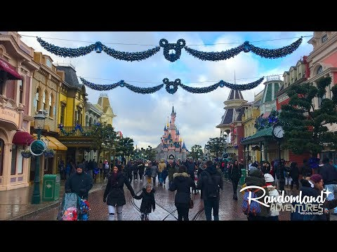 It's Christmas at Disneyland PARIS!!