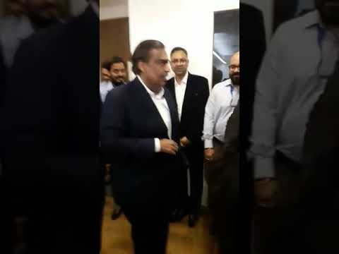 MUKESH AMBANI IN RELIANCE JIO OFFICE LUCKNOW