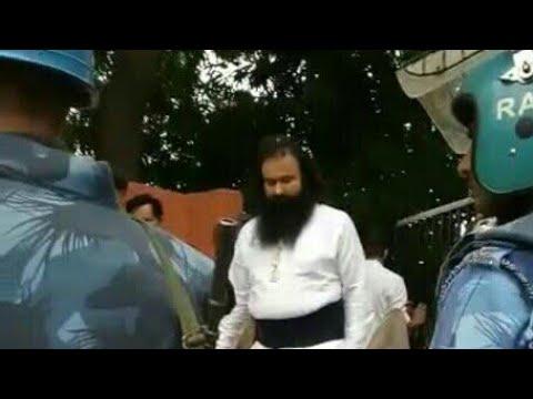 Gurmeet Ram Rahim Singh leaves for Panchkula's CBI court from Sirsa