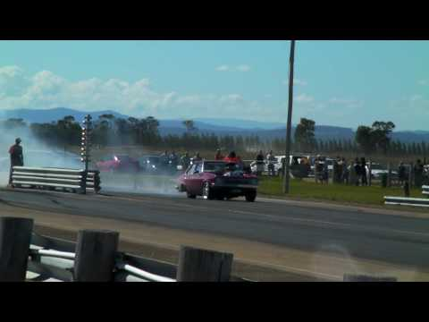 rhett's torana vs jase in racenu at east gippy nats