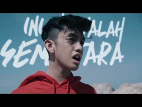Ismail Izzani   Sabar Official Music Video with Lyric www savelagu id