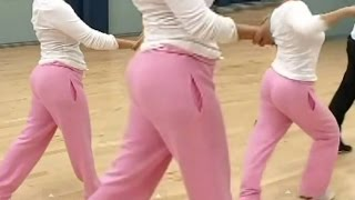Leah Remini / Big Booty In Sweat Pants