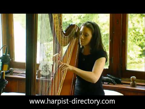 Irish Harpist Plays Ag Criost An Siol