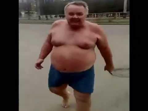 Три девушки и толстый мужик
