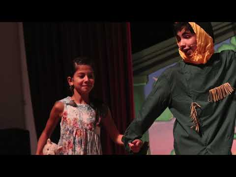 Theater an der DSJ: Das zauberhafte Land