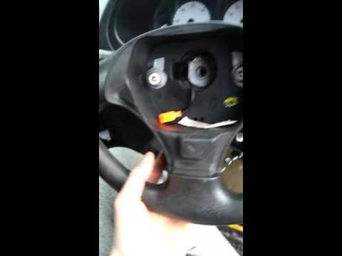 How to remove steering wheel saxo