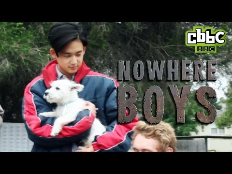CBBC: Nowhere Boys   Cute dogs on set!