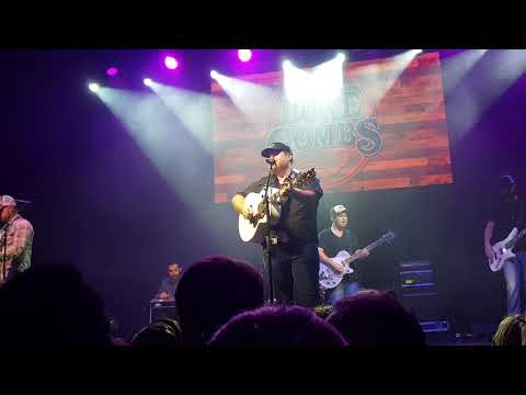 Luke Combs - I Know She Ain't Ready (Live @ Manchester)