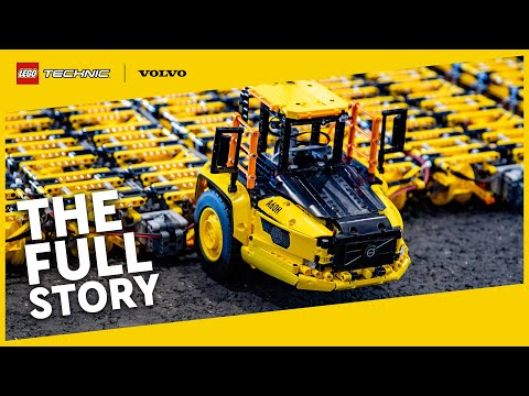 Moving the world's BIGGEST articulated hauler… using only LEGO Technic pieces?!