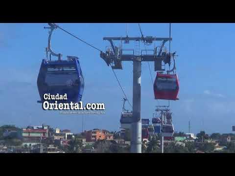 Primer viaje en el teleférico de Santo Domingo visto desde una cabina