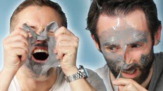 Homens testam a máscara facial mais dolorosa que existe