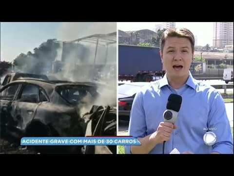 Engavetamento em rodovia de SP deixa duas pessoas mortas