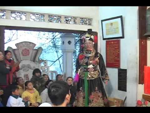 Thanh Đồng Phạm Ngọc Hân Hau bong gia Co Be Mo Than tai den CO BE MO THAN 10-12-Tan mao