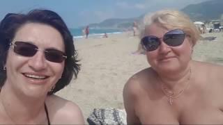 Пляж Дамлаташ, Алания // Волны и море прохладное. Отдых в Турции 2019.