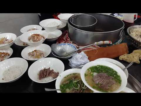 Phở Hòa - One of the oldest Phở restaurants in Saigon (beef noodle soup)