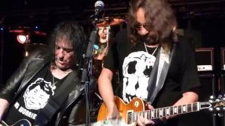 Watch Ace Frehley Deuce live video