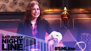 Saturday Night Line: SNL's Vanessa Bayer Gets Fans To Sign Her Cast