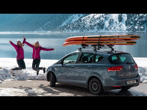 Girls On SUPs - Paddling Lake Achensee In Winter - SUP Tour