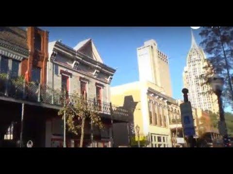 Dauphin St & Downtown Mobile Alabama