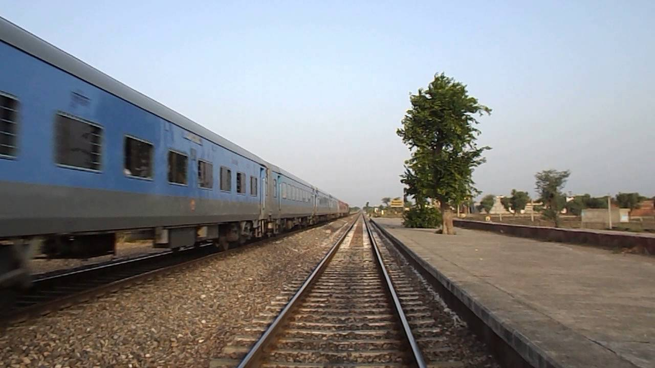 Spectacular MPS aggression by 22478 Jaipur-Jodhpur Intercity Express -  YouTube