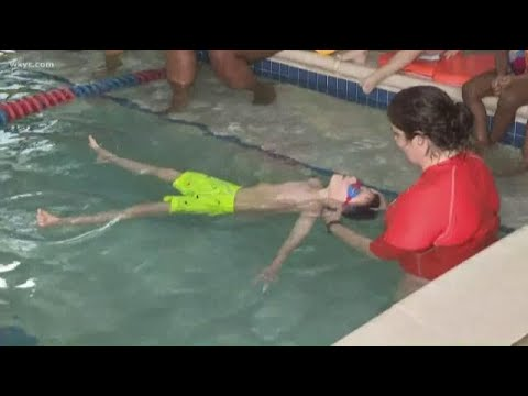 Swimming pool safety: The life-saving tips all parents need to know