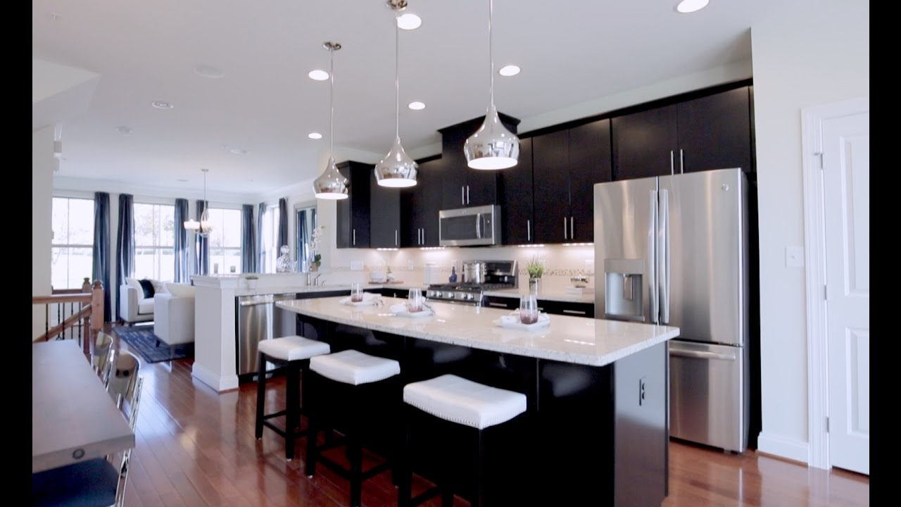 91 Ryan Homes Rome Model Family Room Kitchen And
