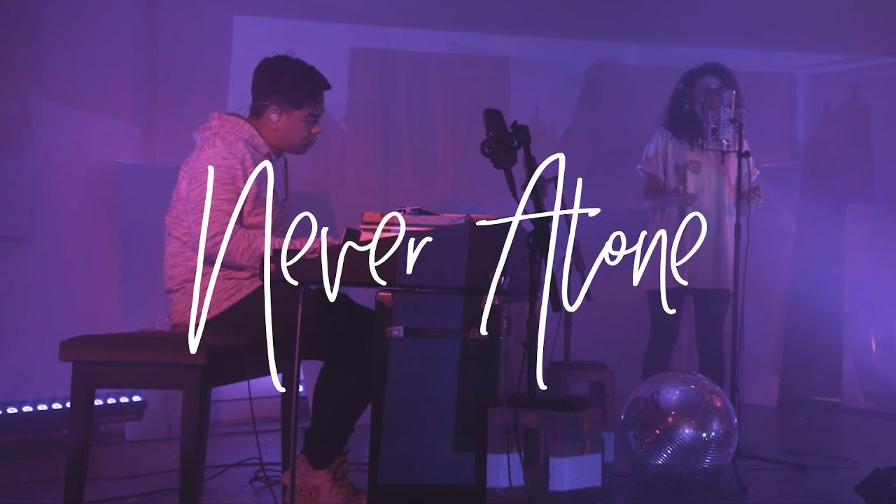 Never Alone (Acoustic) - Hillsong Young & Free