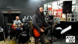 Banda Moon Key -Cover  Comin