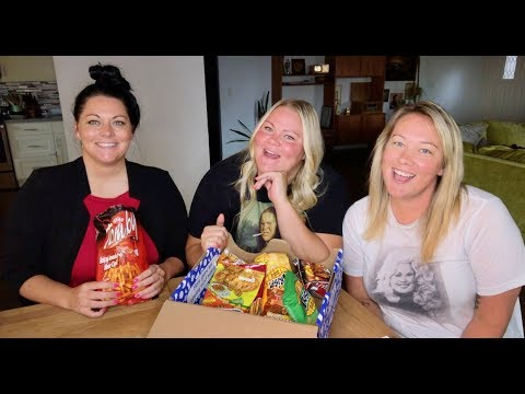 Tasting snacks from different countries! (our 4th box)