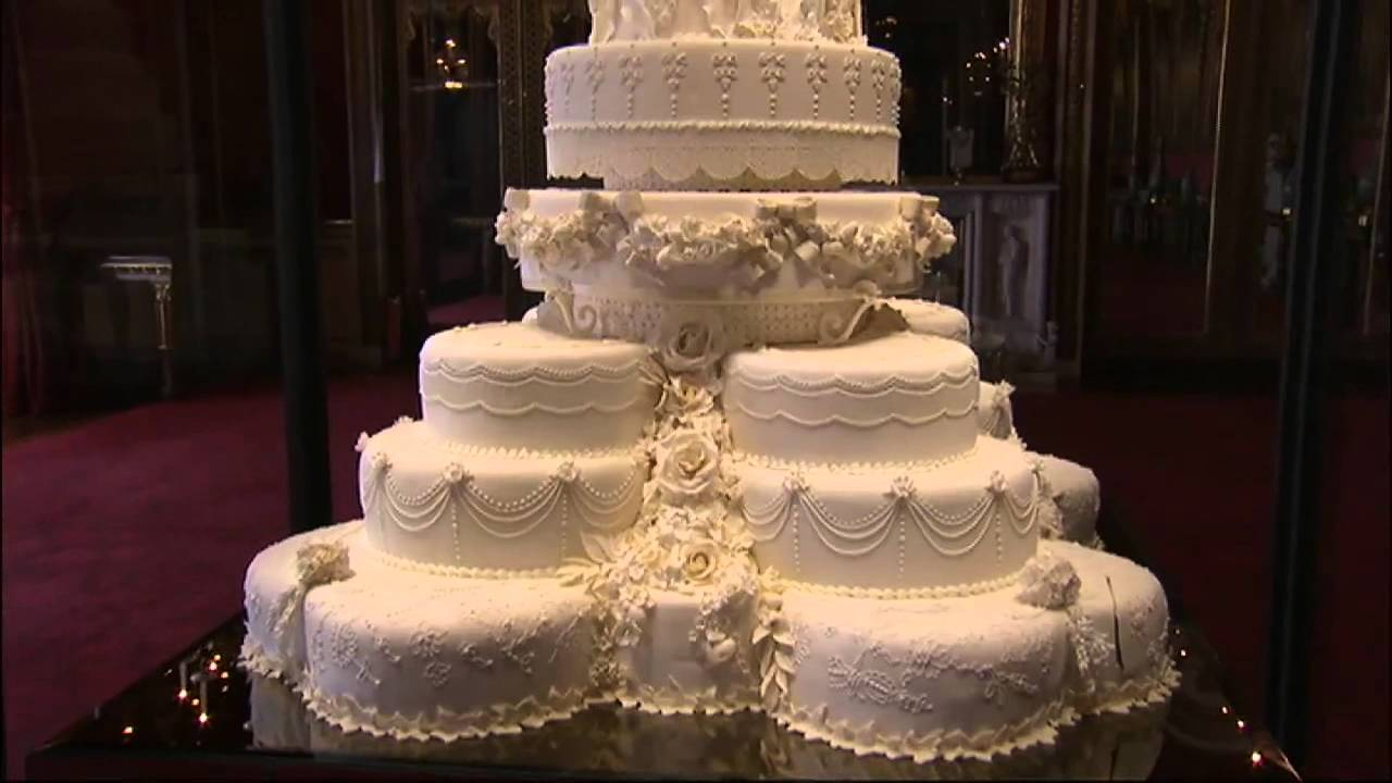 pictures royal wedding cakes royal wedding cake on show 18492