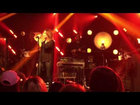 Tailgate Watch: Martina McBride performs