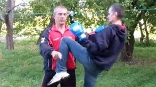 Техника рукопашного боя(Техника рукопашного боя - это не только знание определенных ударов, комбинаций и приемов, это еще и умение..., 2012-09-30T15:25:49.000Z)