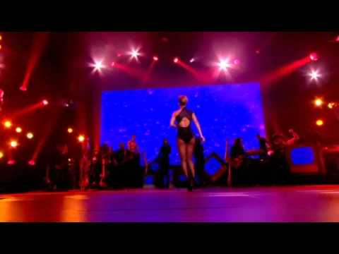 HD Rihanna Ft. Jay-Z - Umbrella Live (Nokia Concert In London)