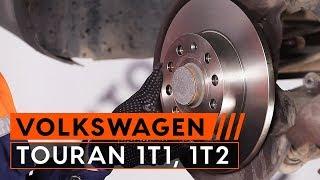 Hvordan bytte bakre bremseskiver og bakre bremseklosser på VW TOURAN