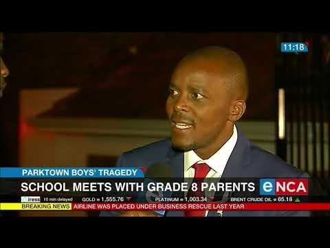 School meets with grade 8 parents