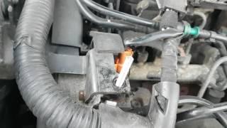 Remplacement des attaches cache moteur Peugeot  406 et de autres modèles