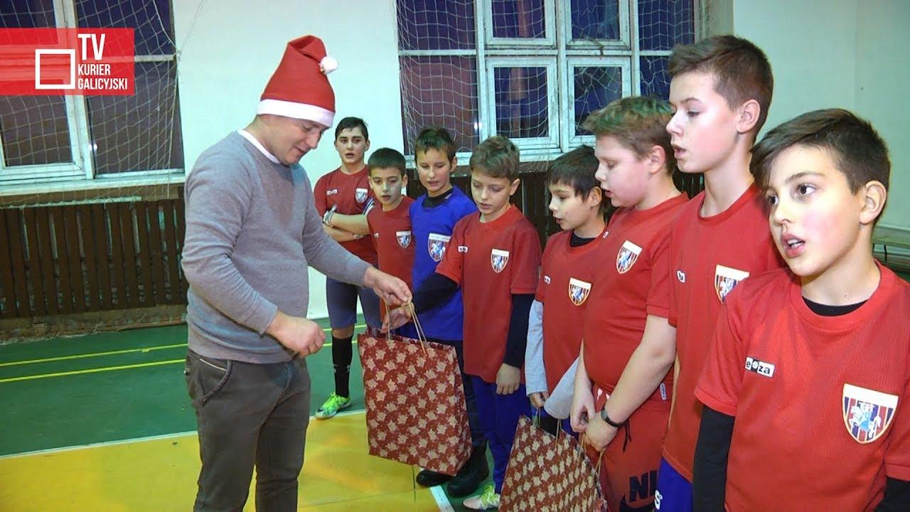 Św. Mikołaj odwiedził Szkółkę Piłkarską Pogoni Lwów
