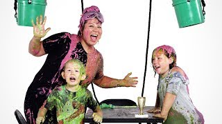 Desmond's Family Gets Slimed! | Partners in Slime | HiHo Kids