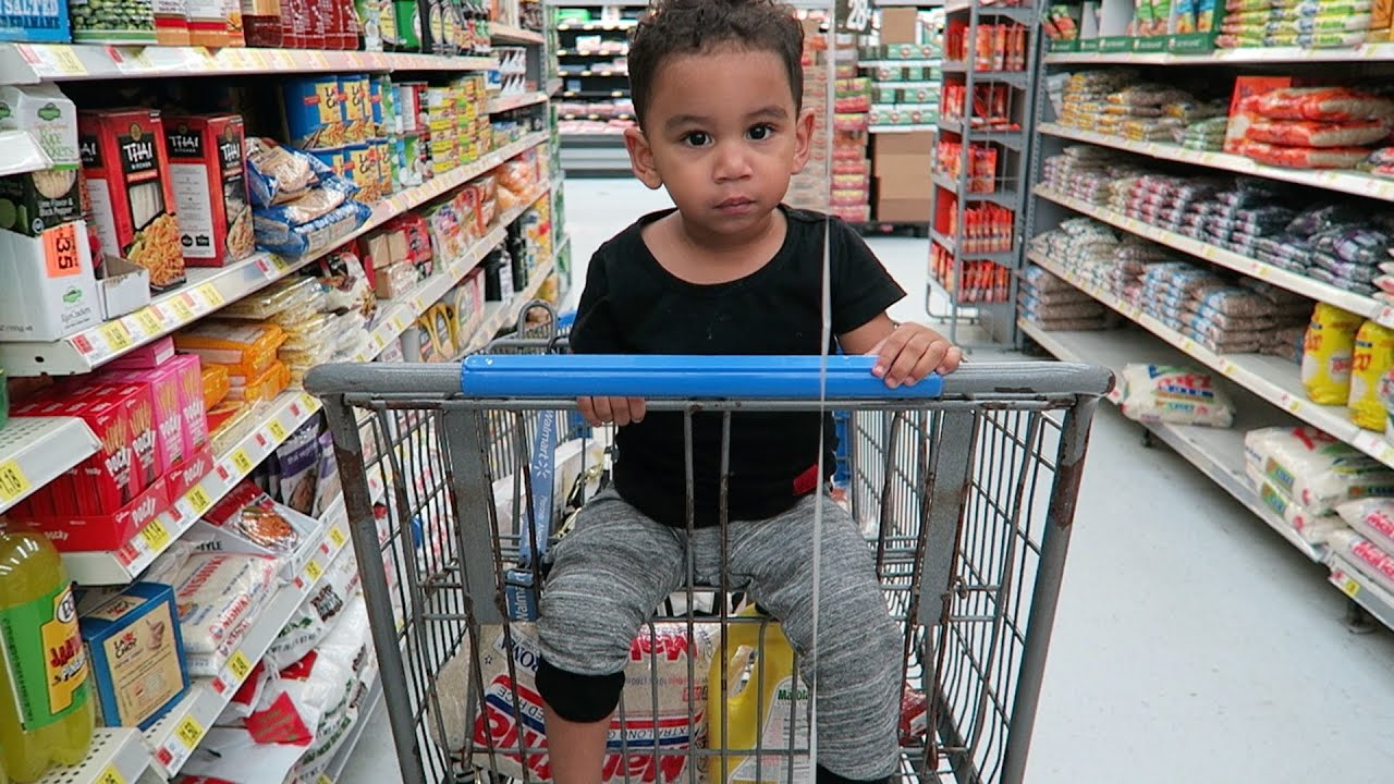 41a17f68da32 GROCERY SHOPPING WITH A TODDLER