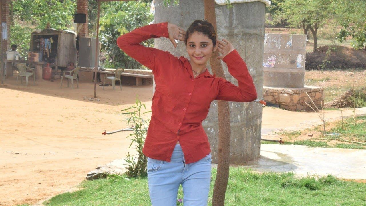 अलवर की मुस्कान डांसर ने किया बीच चोराये पे पब्लिक में डांस।।New Girl  Dance।Rajasthani Gurjar