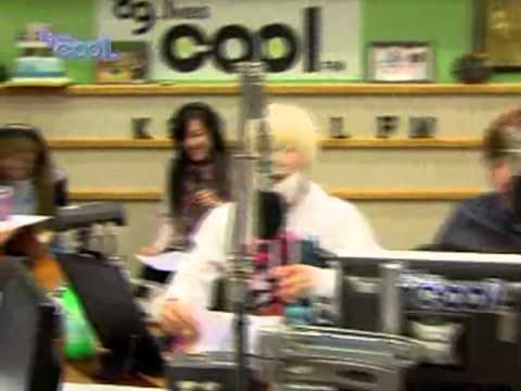 Tiffany Diaz & EunHyuk Jackson @ Kiss the Radio Oct21.2011 GIRLS' GENERATION Live